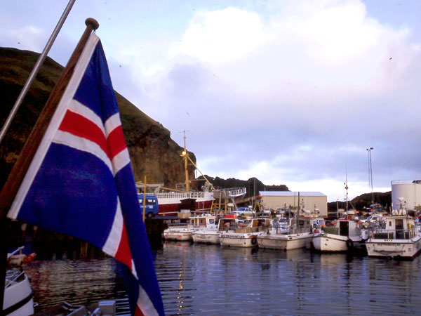 l-islande-et-sa-nature-resplendissante