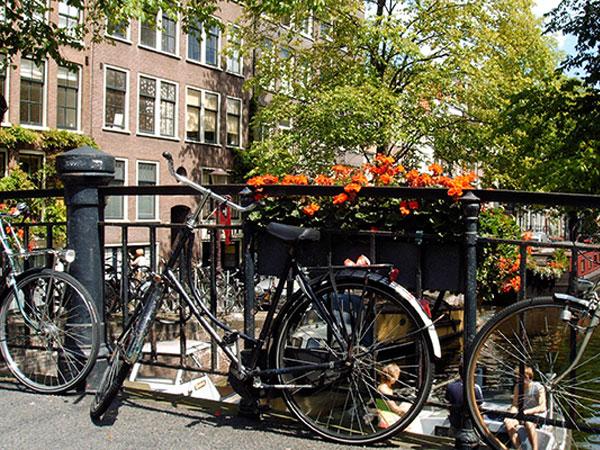 en-train-vers-amsterdam